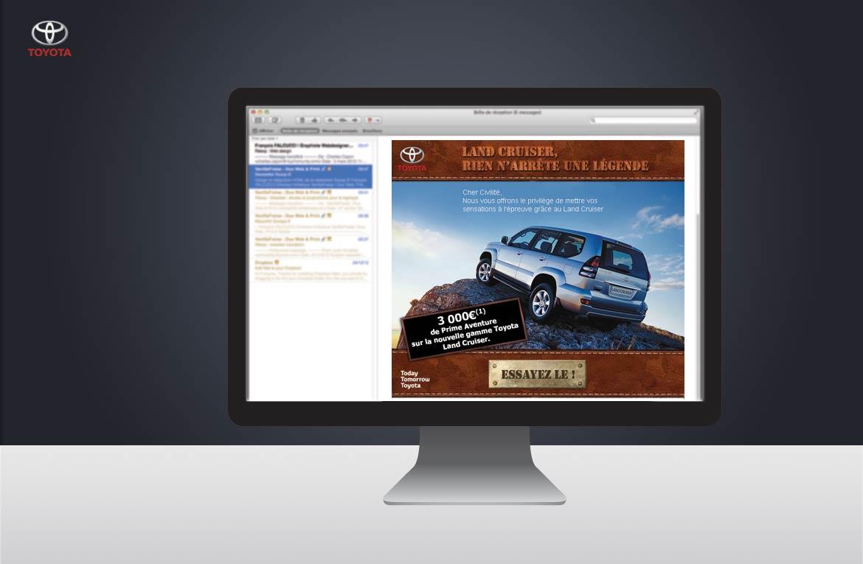 Présentation de l'email Toyota dans un écran d'ordinateur